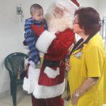 Santa Claus  visita  Hospital Roosevelt